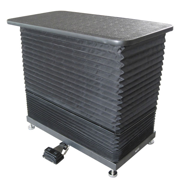 ComfortGroom Accordion Table With Bellow